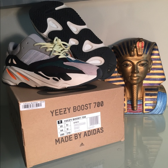 yeezy wave runner box